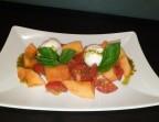 Photo Panaché de melon/tomate et mozzarella di bufala (Végétarien) - Ô BISTROT